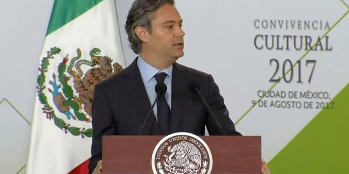 Nuño asigna plazas a 4 mil 800 maestros del Estado de México