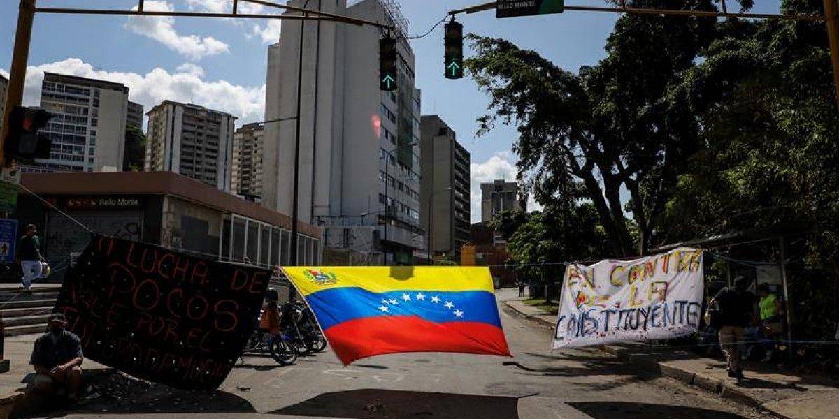 Y verás cómo quieren en Chile: Cancillería asila a 5 magistrados venezolanos y planea traerlos al país