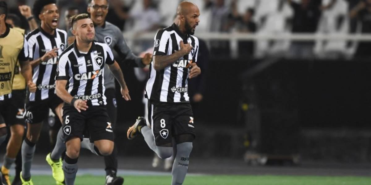 """Leo Valencia miró desde la banca la """"caliente"""" clasificación de Botafogo ante Nacional de Lasarte"""