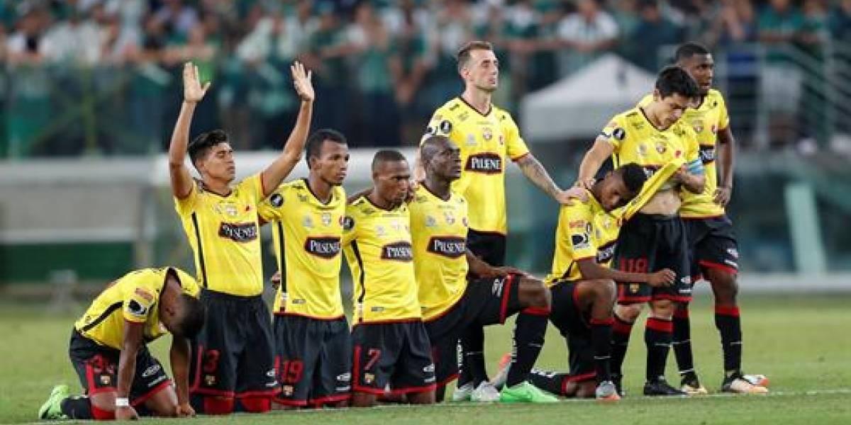 Hinchas de Barcelona listos para recibir al equipo 'Torero'