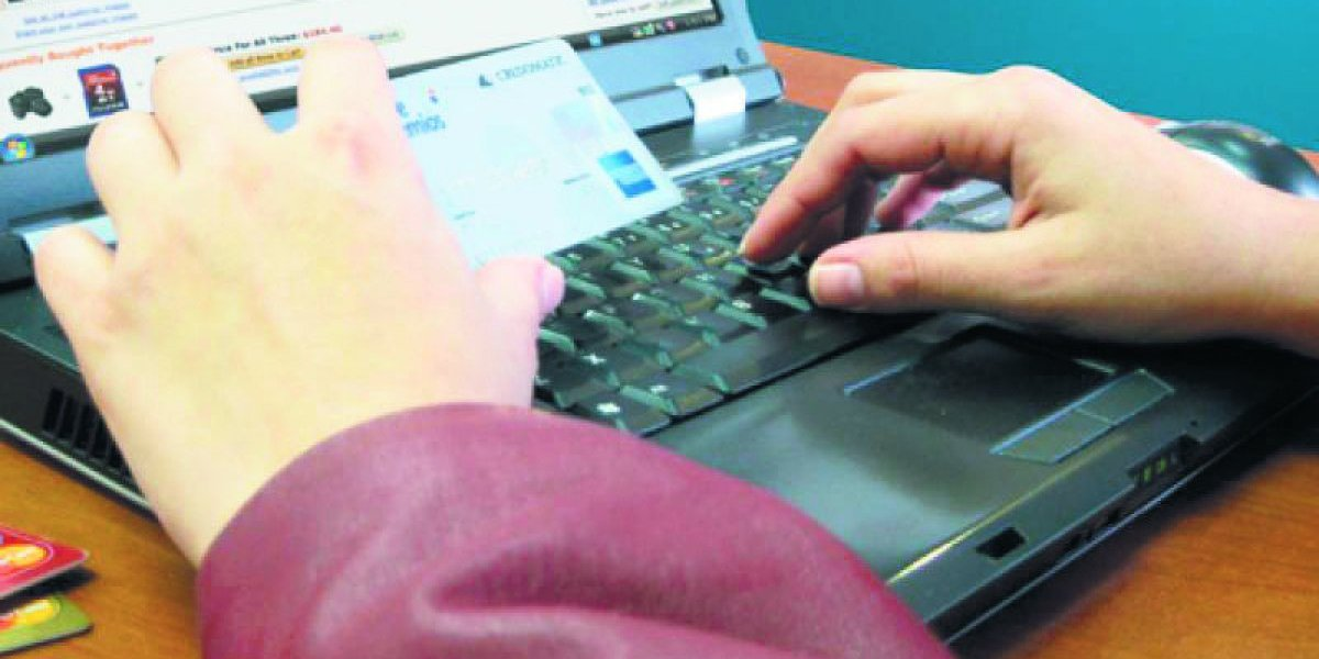 Aduanas limita a US$2,000 anuales compras online