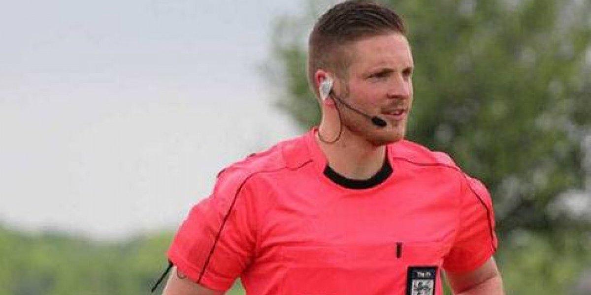 Por primera vez un árbitro de la Premier League se declara abiertamente homosexual
