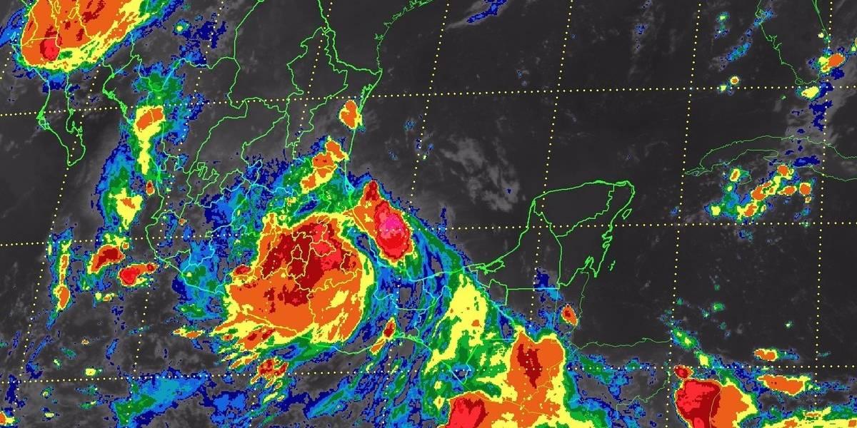 Activan alerta roja en 4 estados por tormenta tropical Franklin