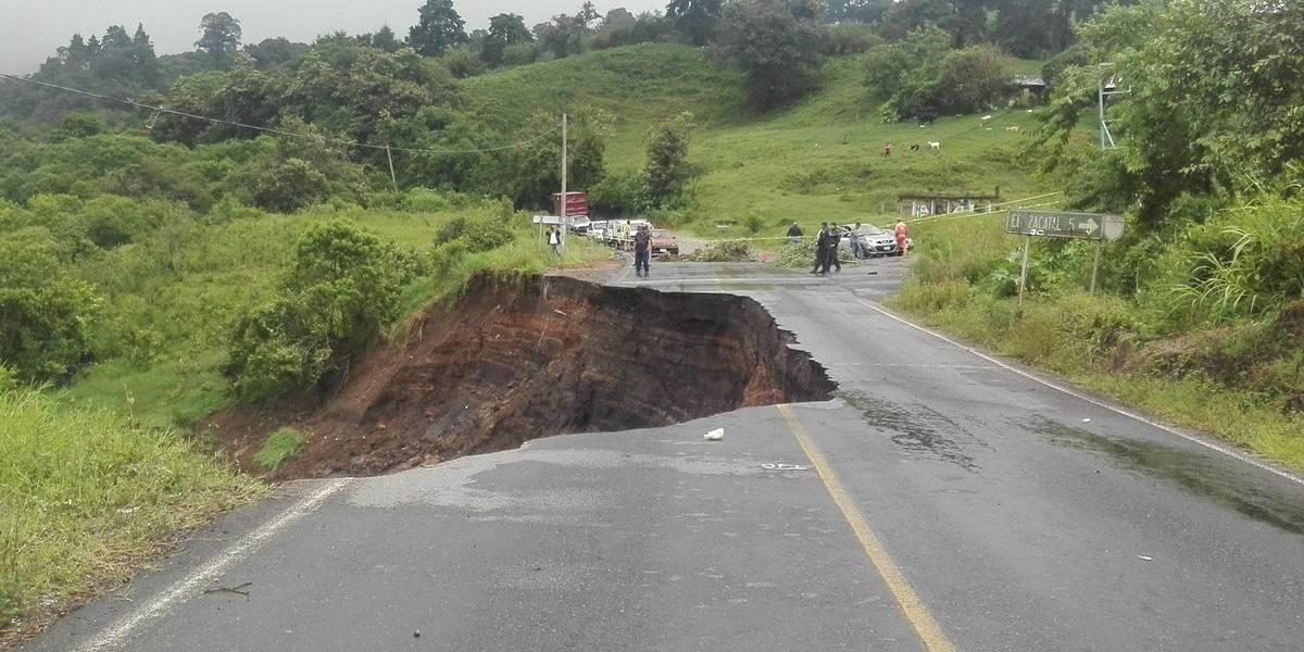 Colapsa parte de la carretera Xalapa-Misantla por 'Franklin'