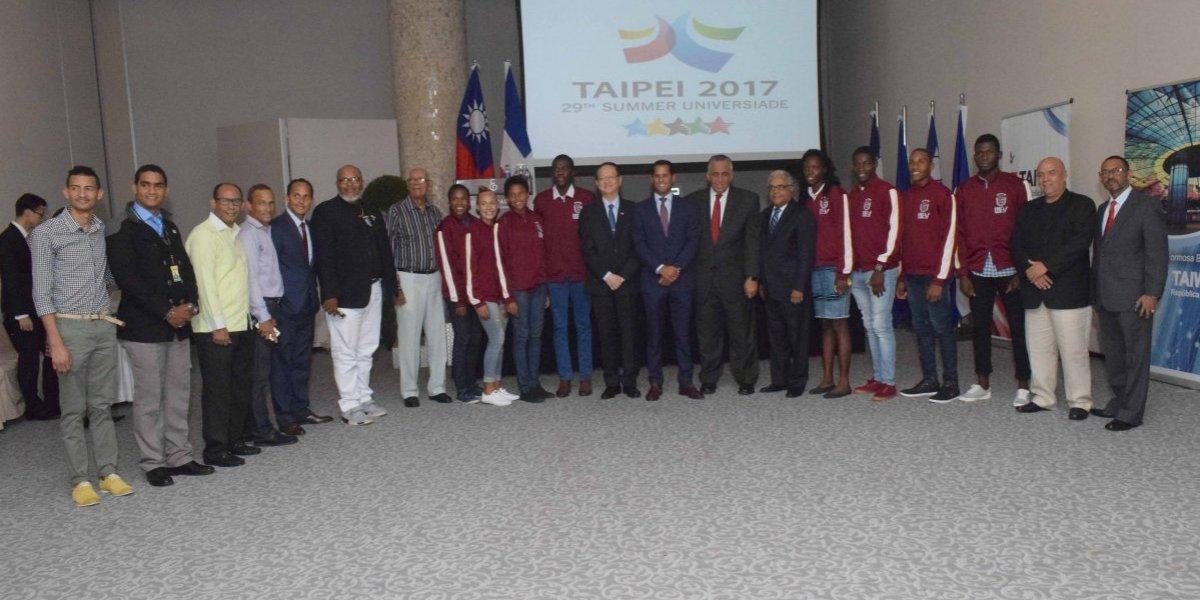 Embajador despide Atletas RD competirán Juegos Mundiales Universitarios en Taiwán