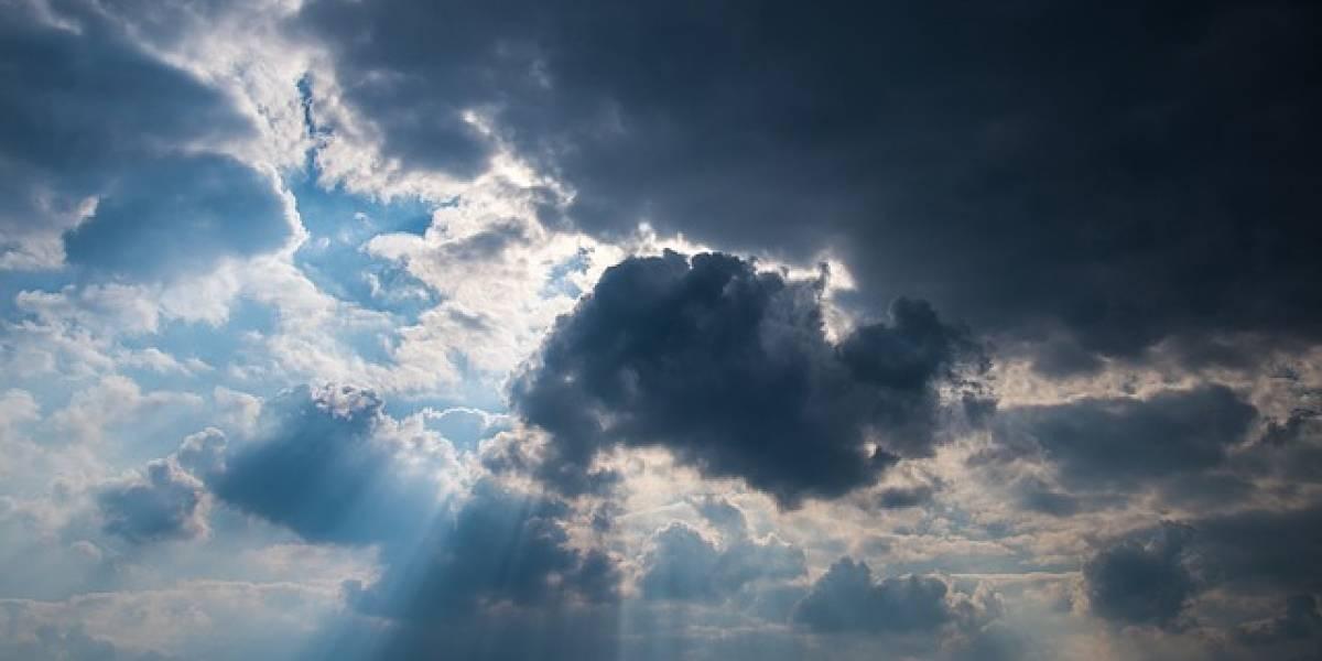 """FOTOS. Extraño """"agujero"""" en el cielo sorprende a los habitantes de Finlandia"""