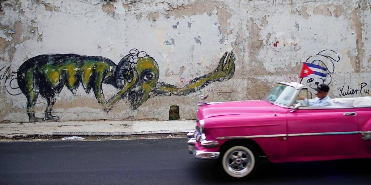 Grafiteiros cubanos levam crítica social aos muros de Havana