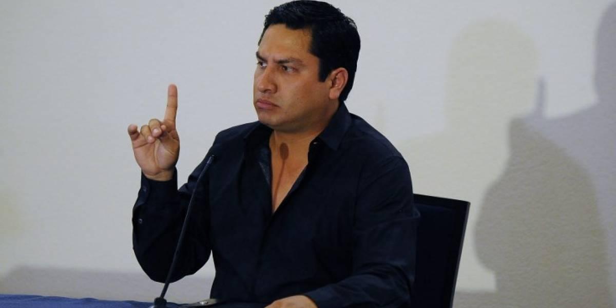 Julión Álvarez asegura que conocía a narco pero sólo como empresario