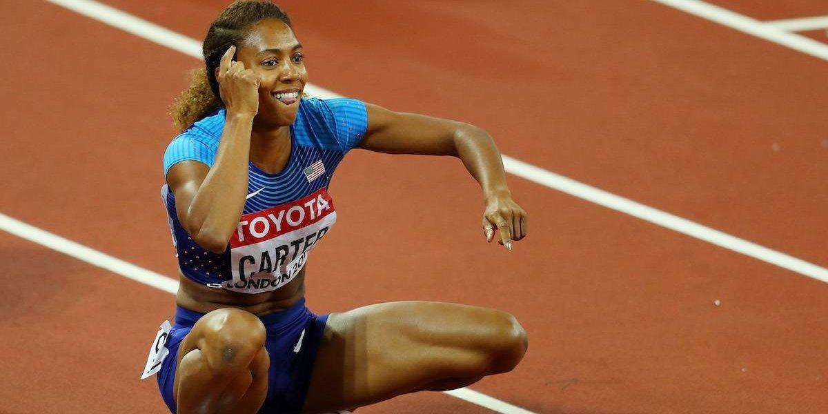 Ex futbolista se corona como reina de los 400 metros con vallas en el Mundial