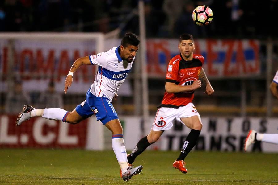 Ante Rangers, Branco Ampuero jugó su primer partido en San Carlos de Apoquindo con la camiseta de la UC / Photosport
