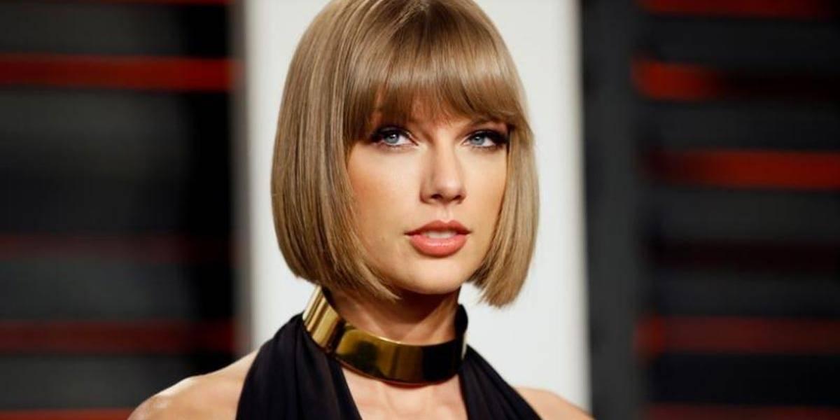 Guarda-costas de Taylor Swift diz que viu radialista apalpar nádegas de cantora