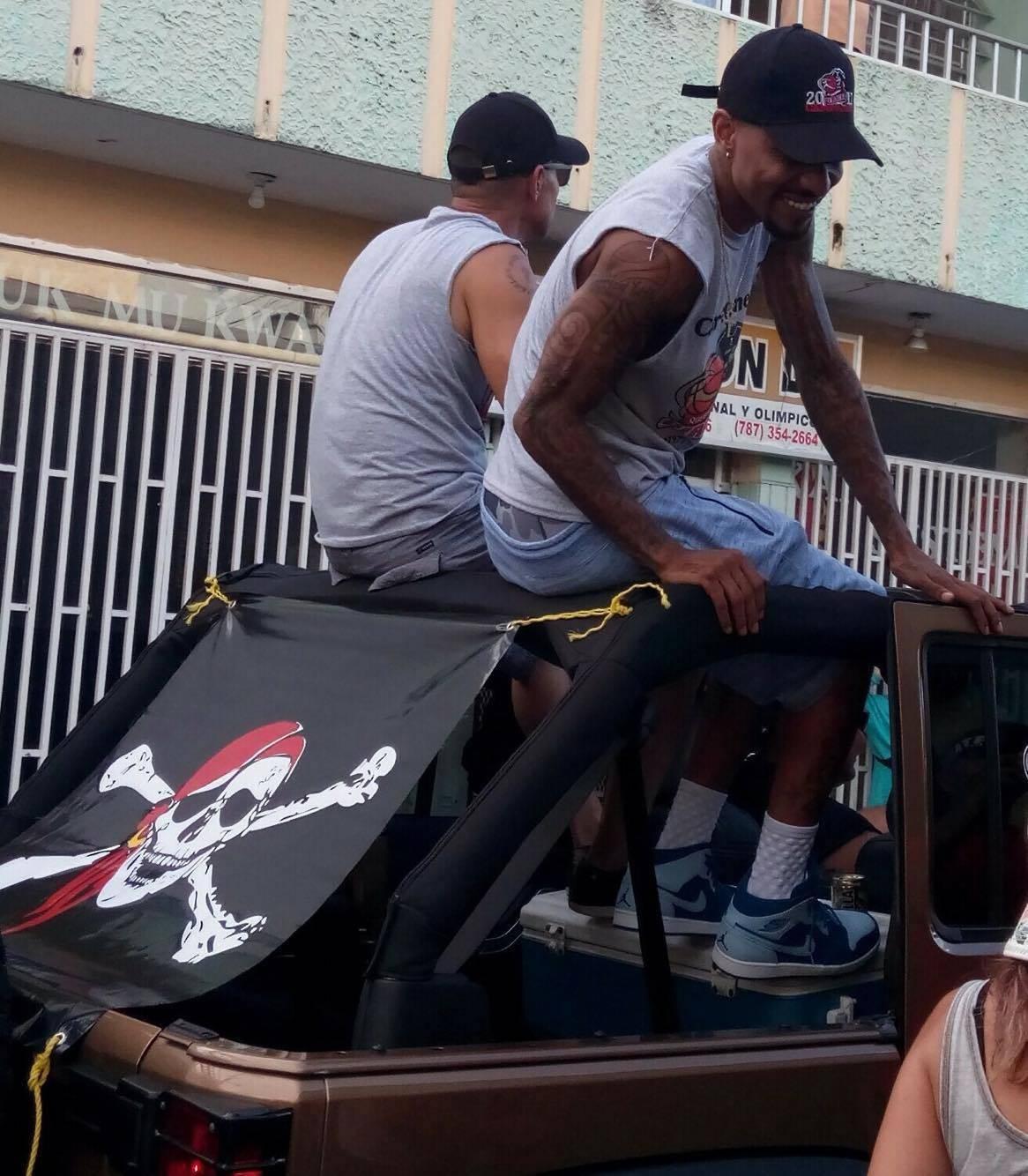 Quebradillas celebró ayer el campeonato de los Piratas con una gran caravana. / Suministrada