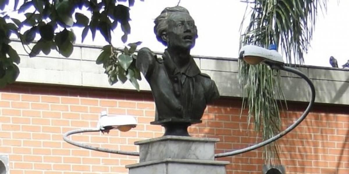 Roban busto de Atanasio Girardot en el centro de Medellín