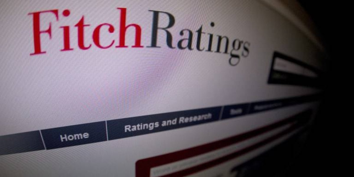 Otra agencia más que nos baja la nota: Fitch recorta calificación crediticia de Chile