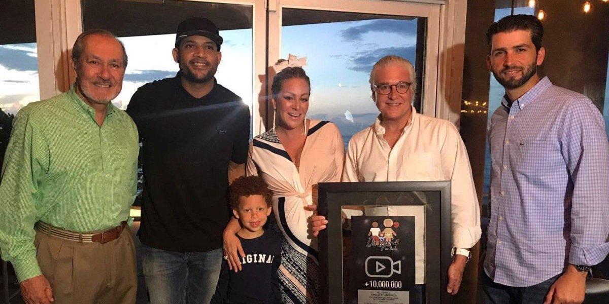 Burbu recibe reconocimiento por sobrepasar 2 millones de views en serie web