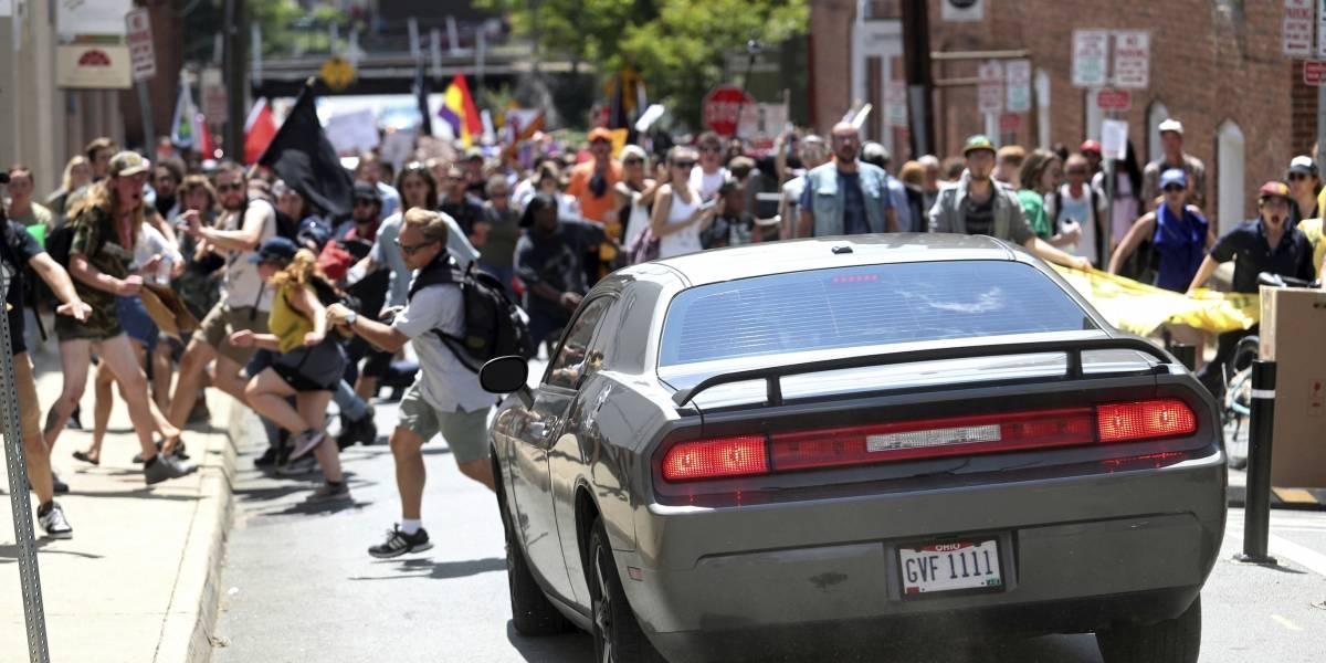 Sábado negro en Virginia: atropello masivo y caída de helicóptero tras marchas racistas