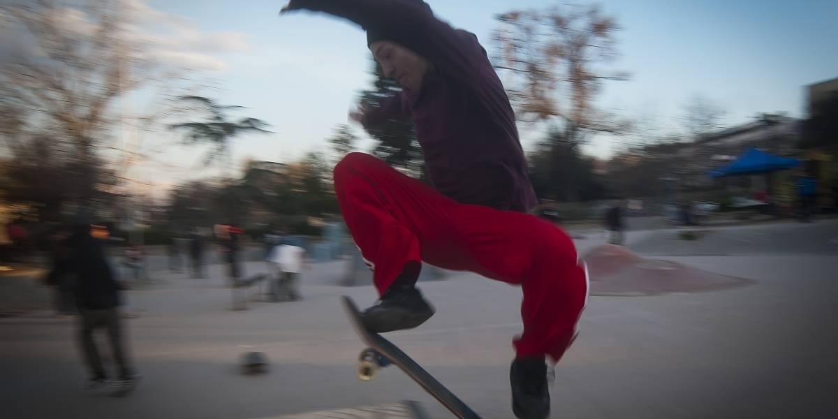 """Realizan campeonato interescolar de skate con motivo del """"Día de la Juventud"""""""