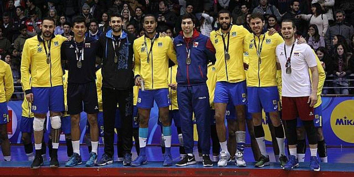 Equipo ideal del Sudamericano de vóleibol incluyó a un jugador chileno