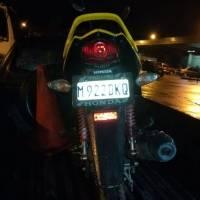 pandilleros-llevaban-motocicleta-robada.jpg