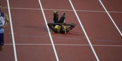 Usain Bolt se lesiona en su retiro