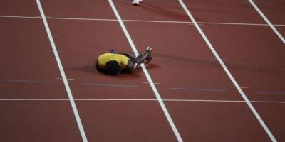 Usain Bolt se desploma