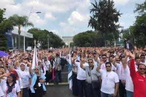 Marchan más de 65 mil miembros de la Luz del Mundo
