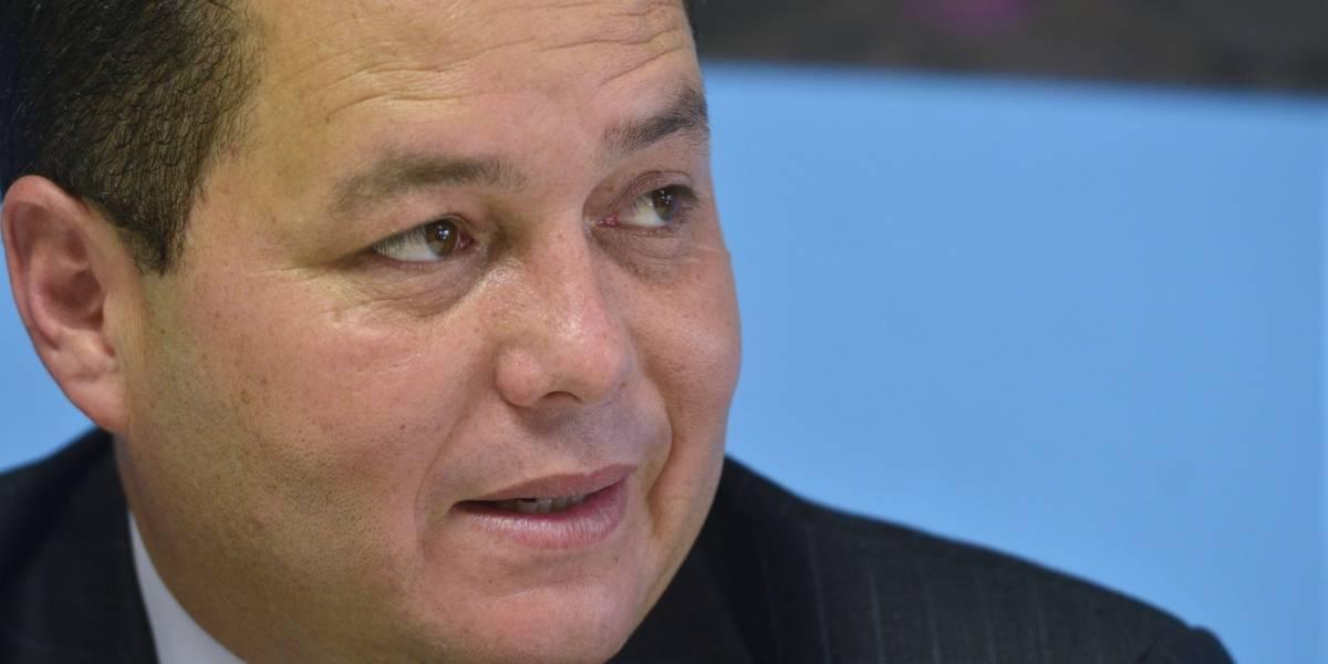 Alcalde de Guaynabo solicita al DTOP repare accesos e iluminación de la Martínez Nadal