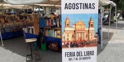 Feria del libro en el Parque Central con motivo de las fiestas agostinas