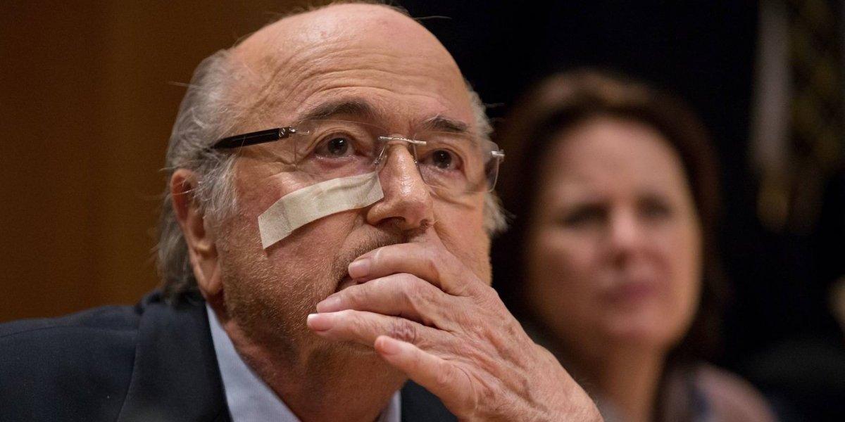 Blatter considera que hubo complot en su contra en FIFA
