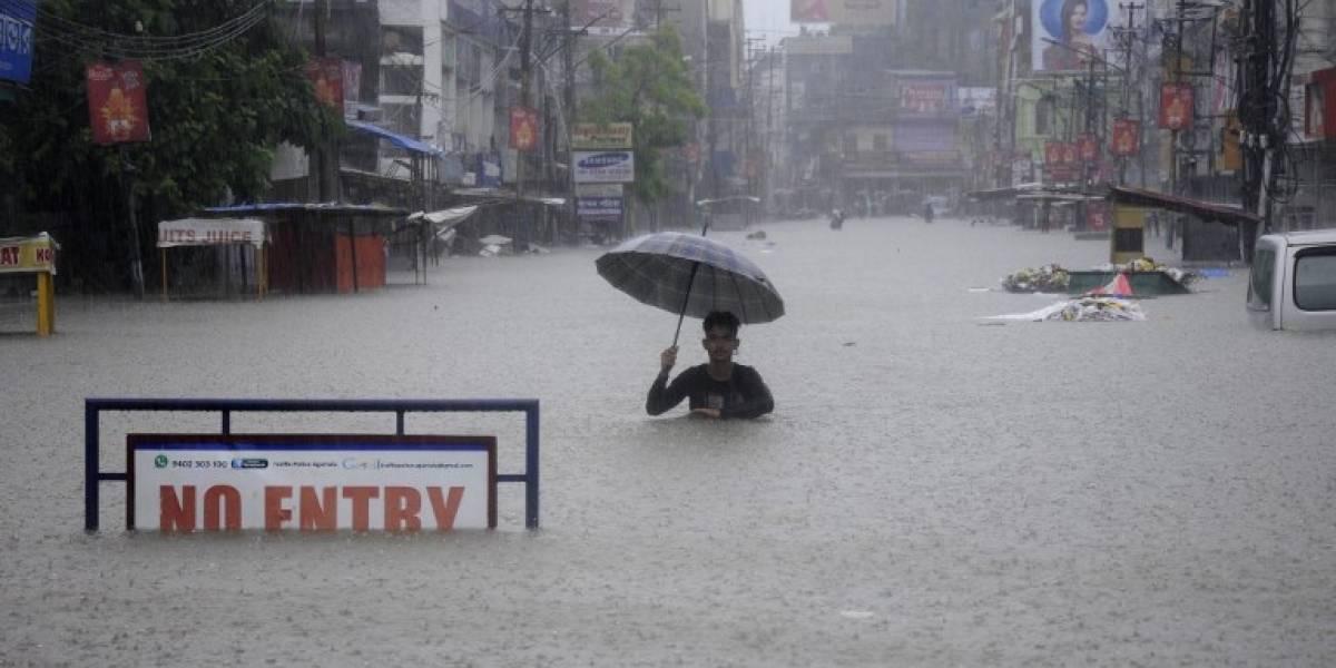 EN IMÁGENES. Lluvias torrenciales dejan más de 60 muertos en Nepal e India