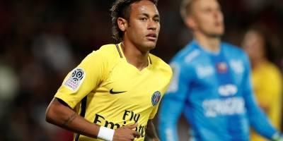Neymar estreia no PSG com gol e assistência