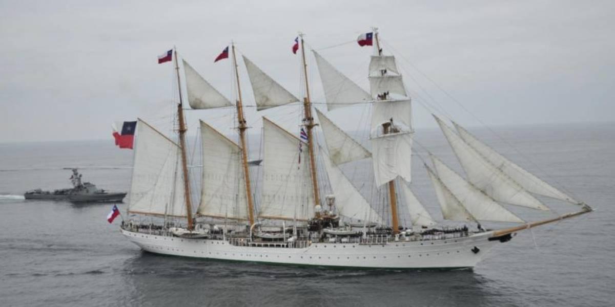 Atraca en puerto de San Juan el buque La Esmeralda