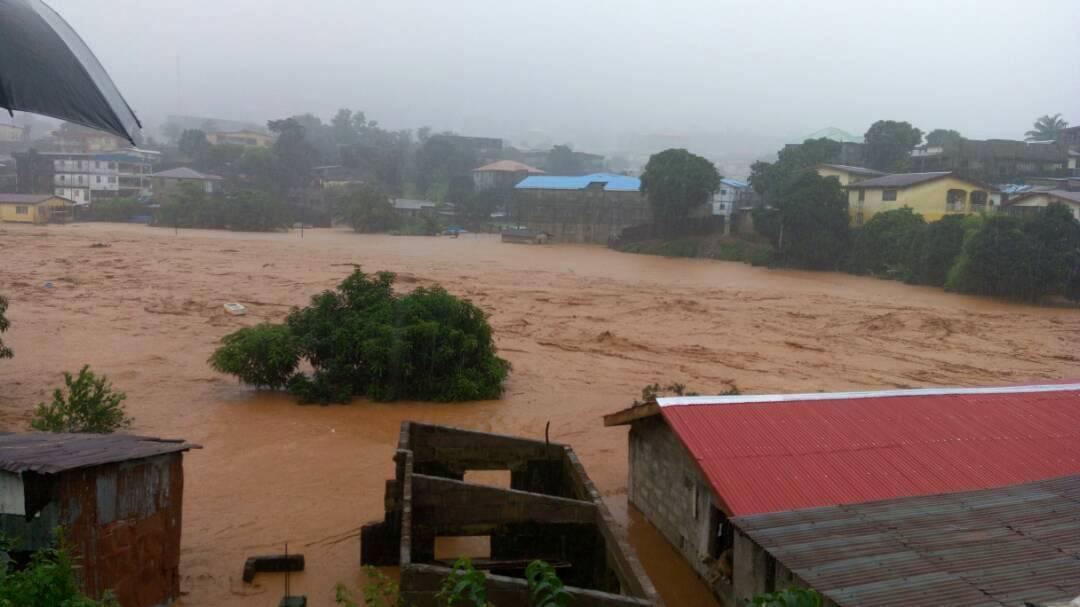 Deslaves e inundaciones en Sierra Leona Foto: AP