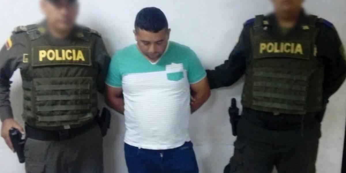 Lo capturaron con veinte boletas falsas del partido Colombia Vs Brasil