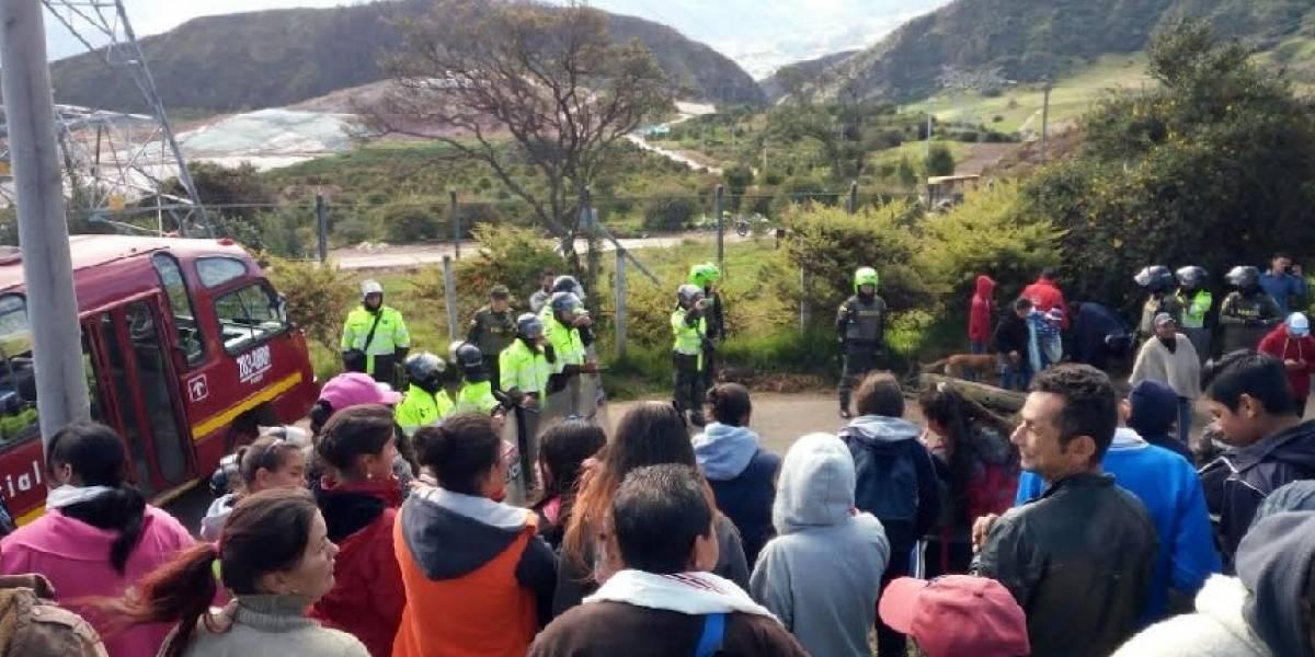 Ciudadanos protestan en el relleno sanitario de Doña Juana