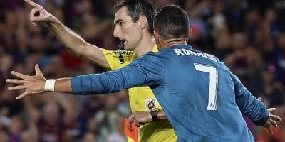 Cristiano empujó al árbitro