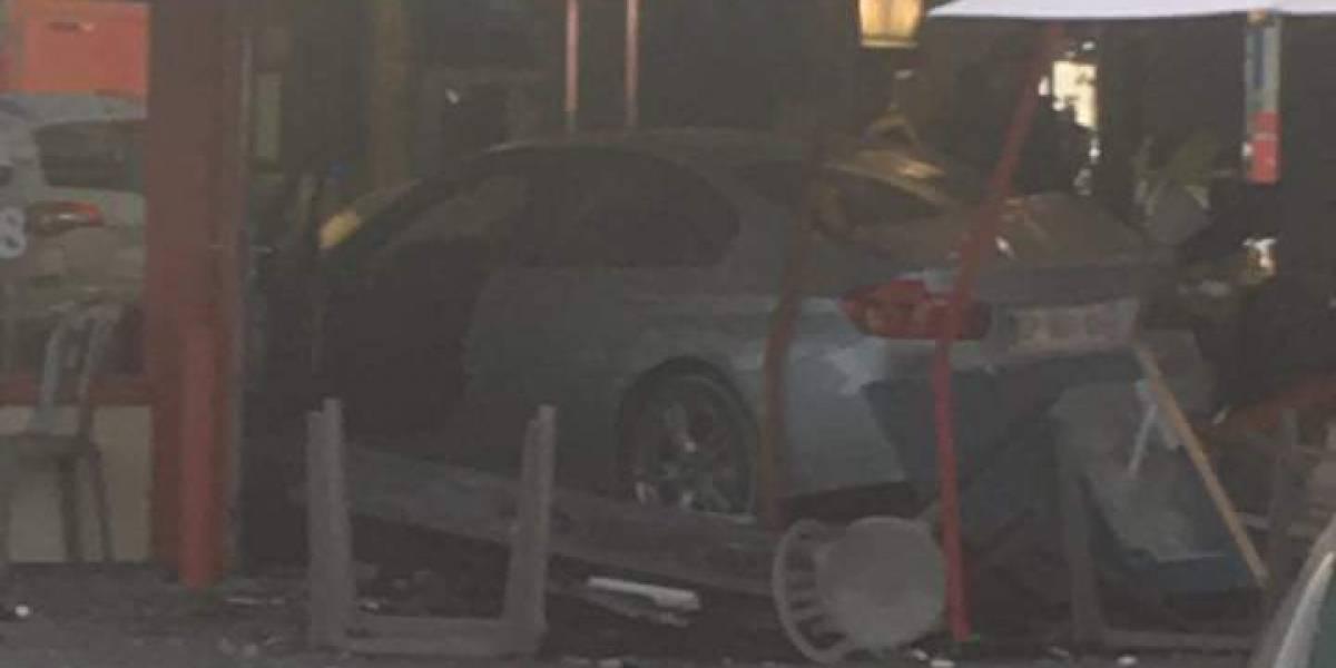 Ataque en  París: auto embiste a multitud en pizzería, al menos un muerto