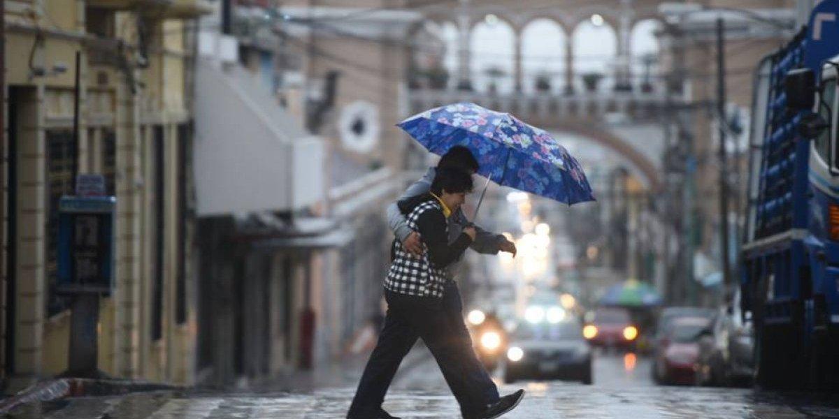 Insivumeh prevé lluvias para el fin de semana por efectos de frente frío