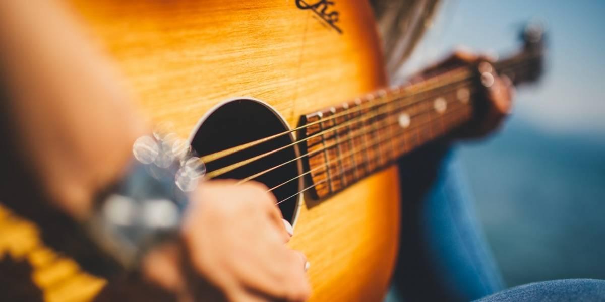 Músicos quarentenados criam corpo docente para aulas online intimistas
