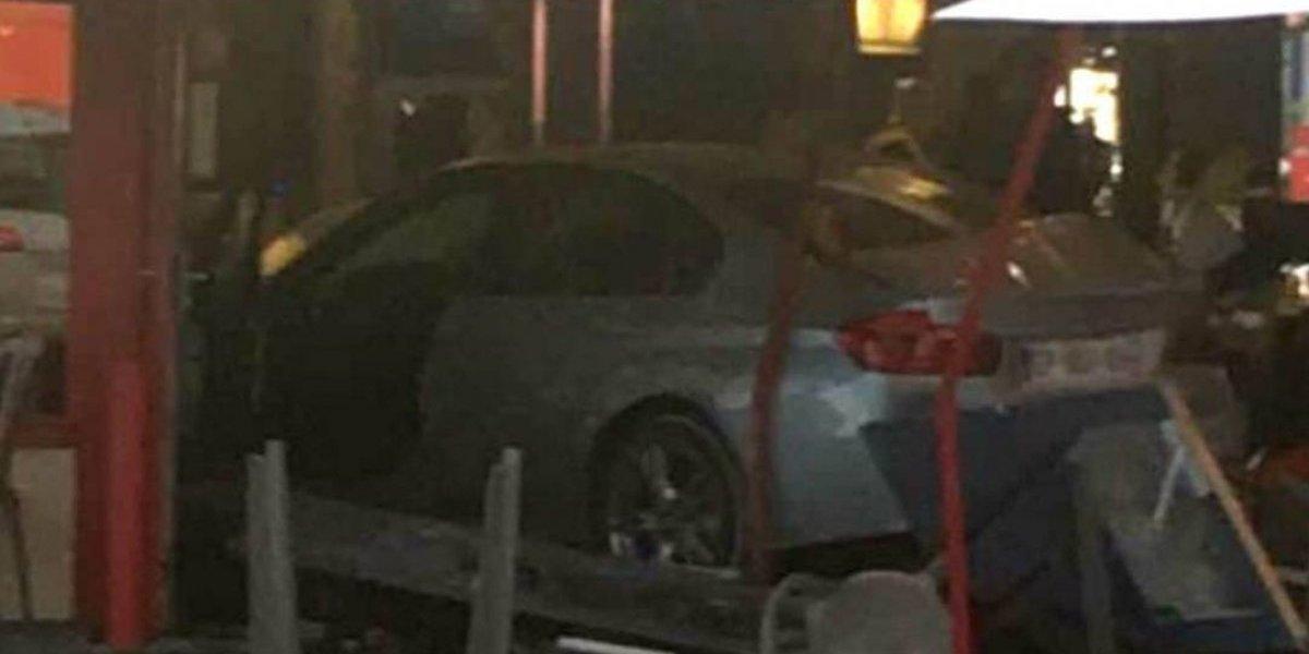 Francia: Carro embiste a varias personas; 1 niña muere