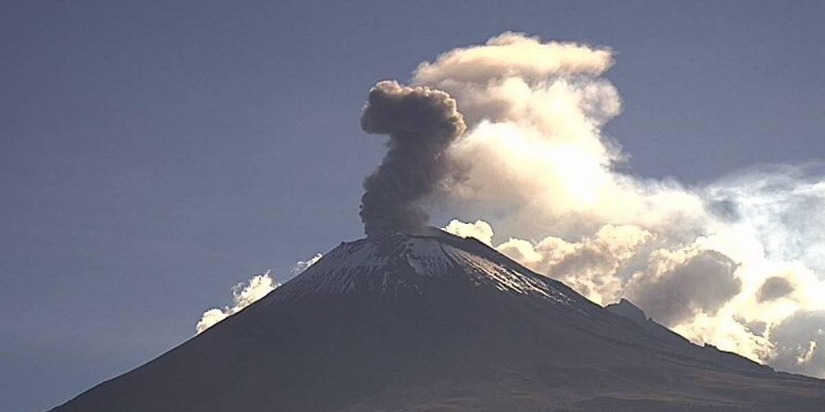 Volcán Popocatépetl registra dos explosiones y 702 exhalaciones
