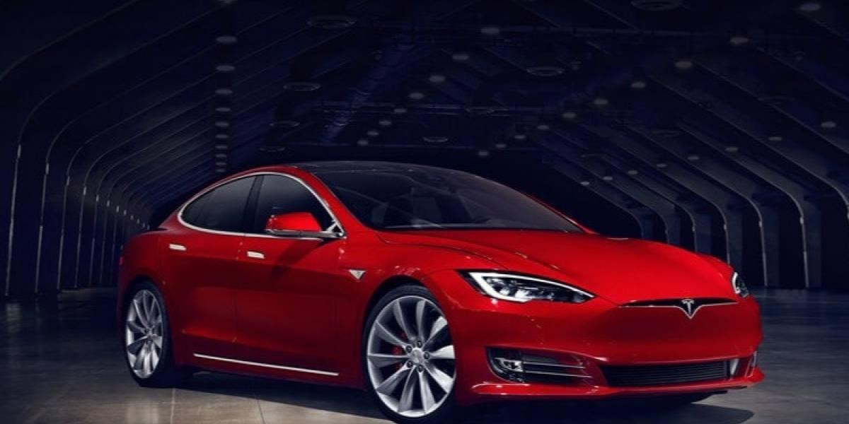 Nuevo récord para Tesla: más de mil kilómetros de uso sin recargar