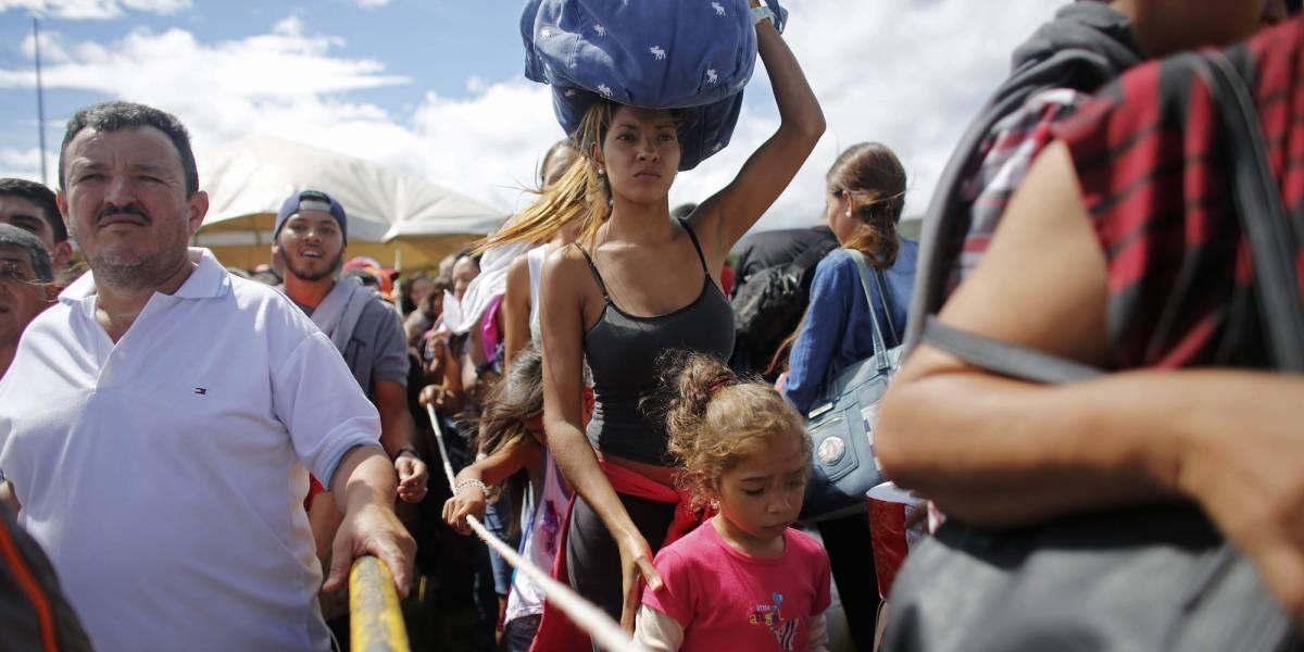 Venezolanos con hambre cruzan frontera colombiana para comer