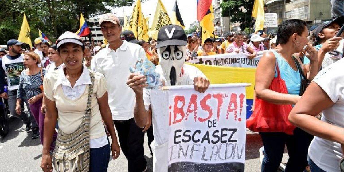 La crisis de la economía de Venezuela en tres claves