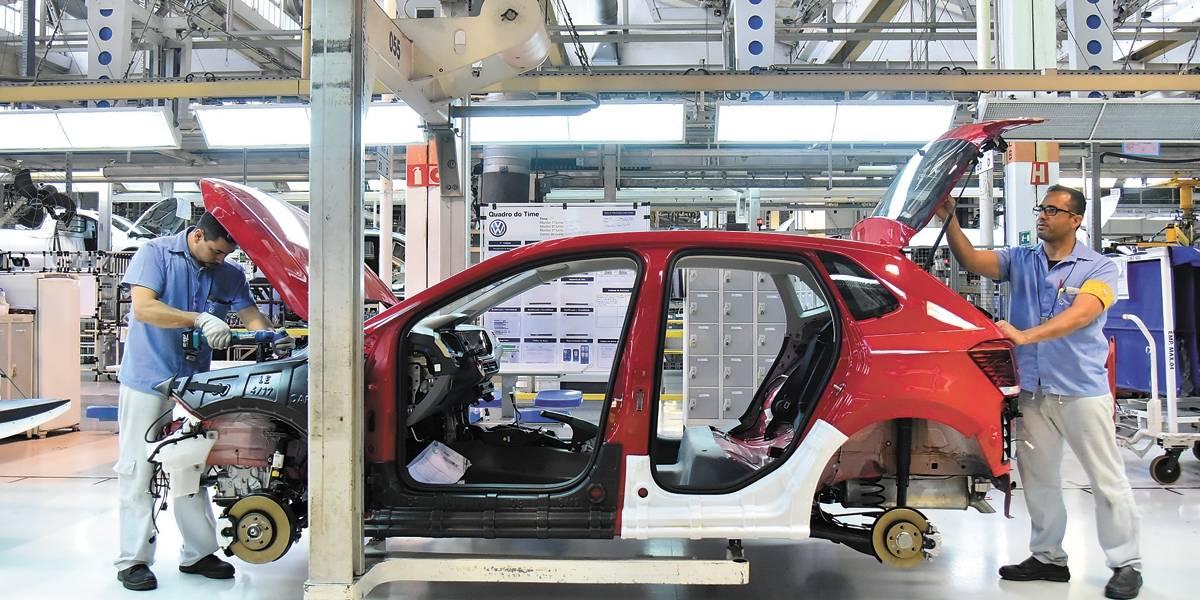 Com mercado em alta, Volkswagen volta a produzir em três turnos no ABC