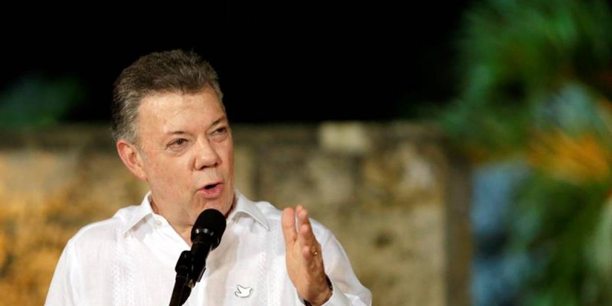 """Santos dice que """"hoy es el último suspiro"""" del conflicto con las Farc"""