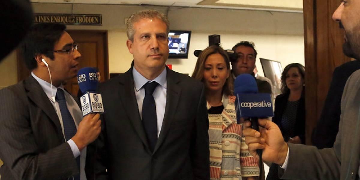 """Esposa de Ricardo Rincón acusa a Goic de liderar """"vergonzosa maniobra política"""""""