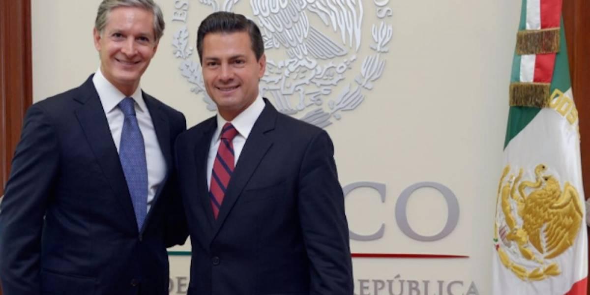 Peña Nieto recibe en Los Pinos a Alfredo del Mazo