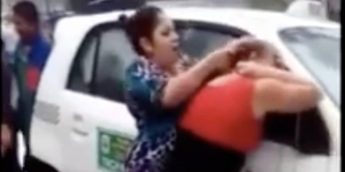 """VIDEO. Brutal pelea de dos mujeres por el """"amor de un reo"""" se hace viral"""