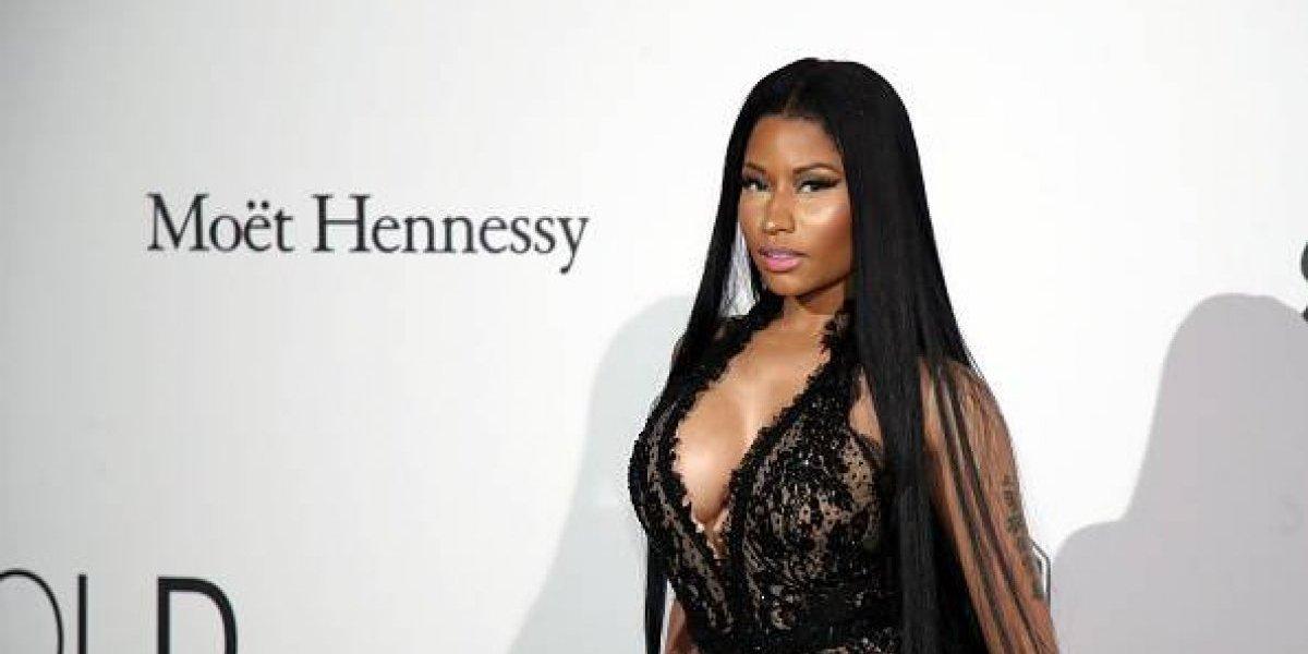 Nicki Minaj comparte una candente foto de sus atributos delanteros y enseña de más